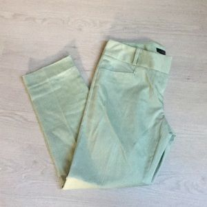 Limited soft green ankle pant